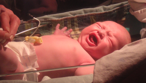 szülés